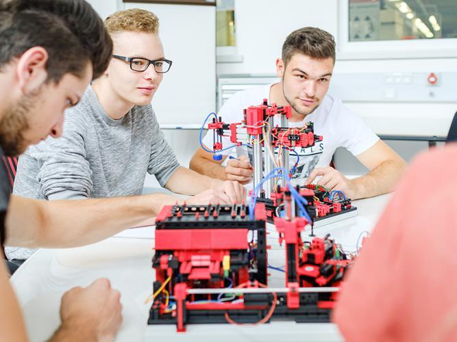 Multi-Bearbeitungsstation mit Brennofen 9V - Education